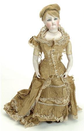 французская модная кукла
